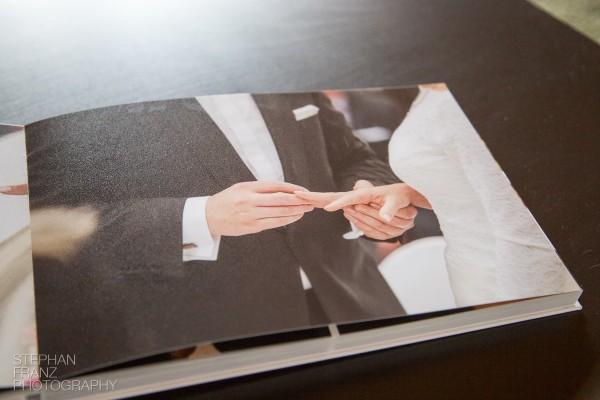 Fotobuch Hochzeit Schloss Amerang Fotograf Rosenheim Stephan Franz Photography-8
